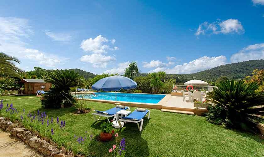 Rasen und Pool Finca Mallorca PM 3893