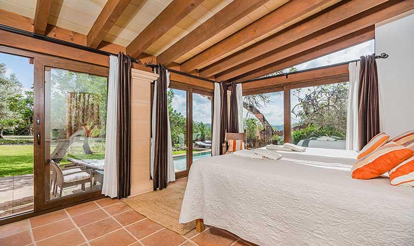 Schlafzimmer Finca Mallorca PM 3911