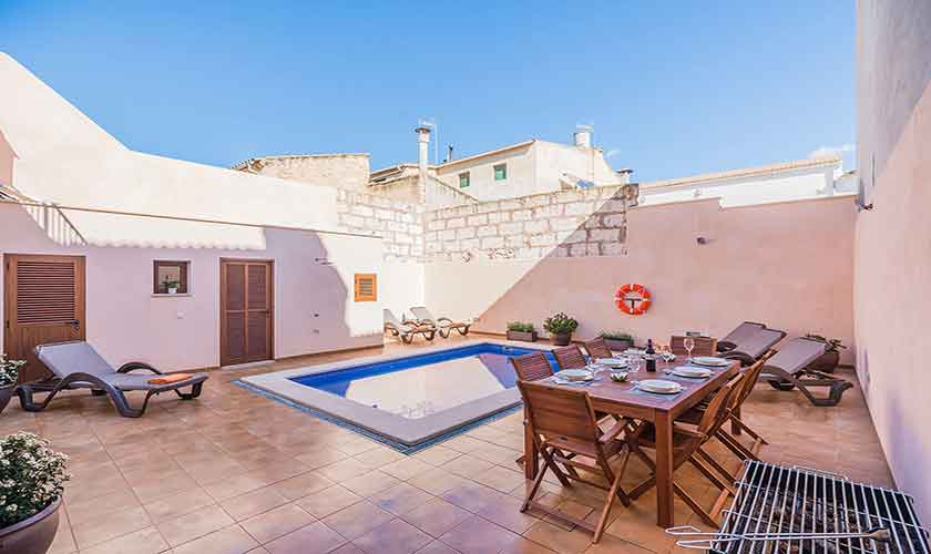 Terrasse und Pool Ferienhaus Mallorca PM 3924