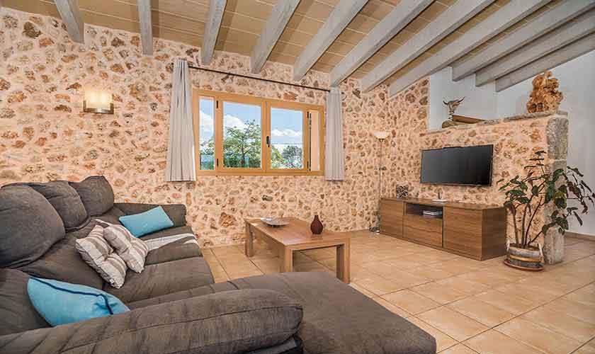 Sofas und Wohnraum Finca Mallorca Norden PM 3926