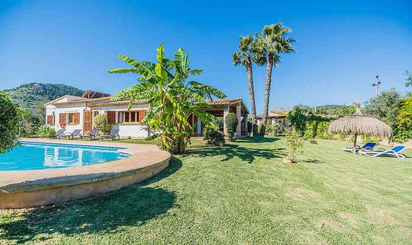Pool und Garten Finca Mallorca Norden PM 3940