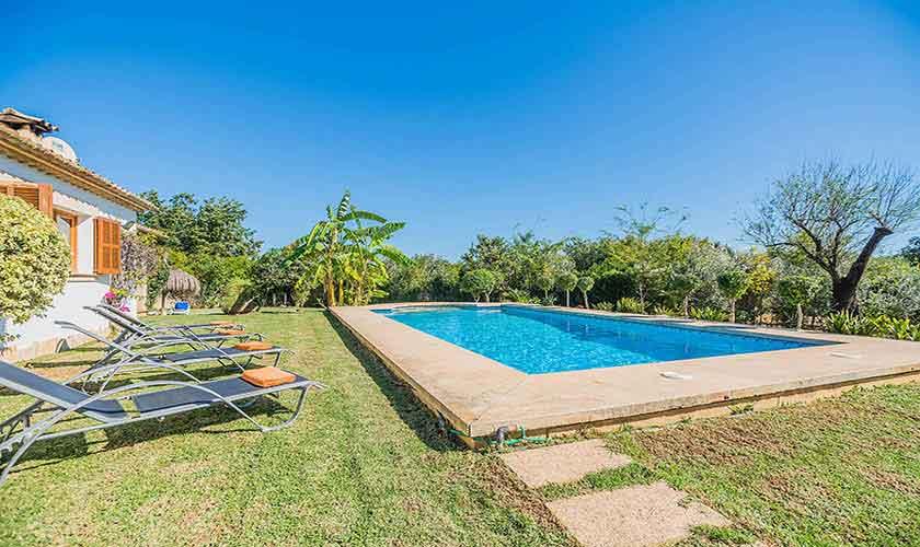 Pool und Rasen Finca Mallorca Norden PM 3940