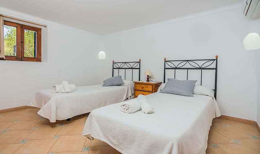 Schlafzimmer Ferienhaus Mallorca PM 3971