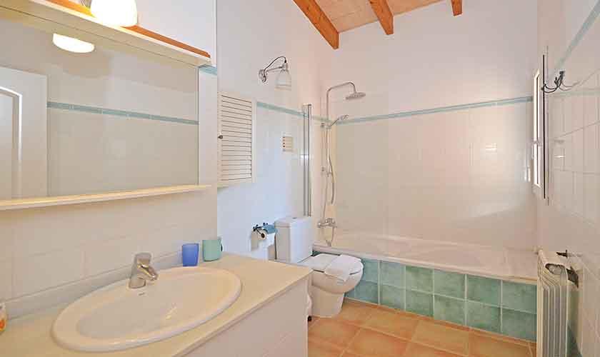 Badezimmer Ferienhaus Mallorca PM 440