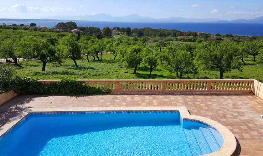 Terrasse und Pool Ferienvilla Mallorca PM 470