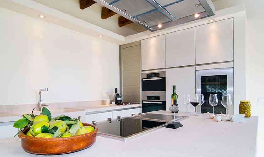 Küche Finca Mallorca Nordosten PM 5243