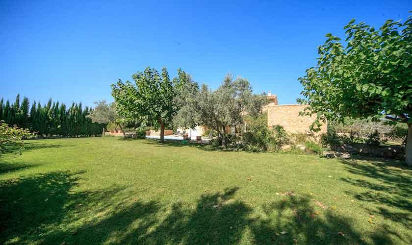 Rasen und Finca Mallorca bei Arta PM 5350