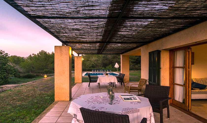 Terrasse im Abendlicht Finca Mallorca bei Artá PM 5351