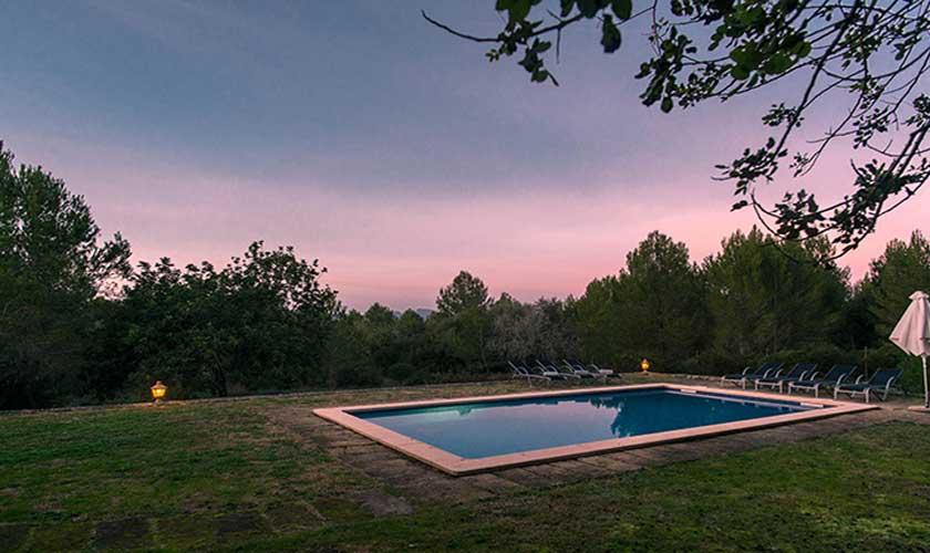 Pool abends Finca Mallorca bei Artá PM 5351