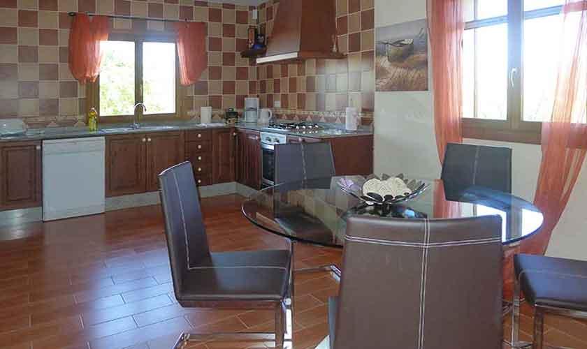Küche Finca Mallorca Pool PM 5681