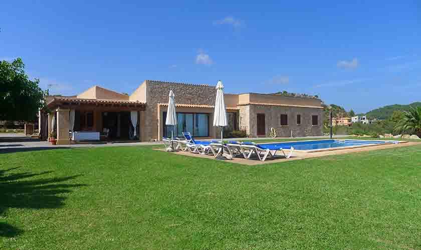 Pool und Rasen Finca Mallorca PM 593