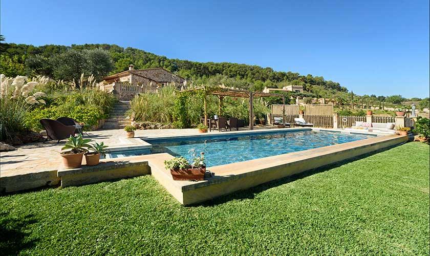 Pool und Rasen Finca Mallorca PM 6010