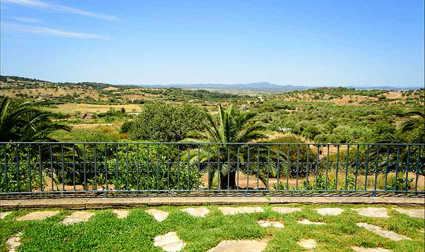 Blick in die Landschaft Finca Mallorca 6 Personen PM 6012