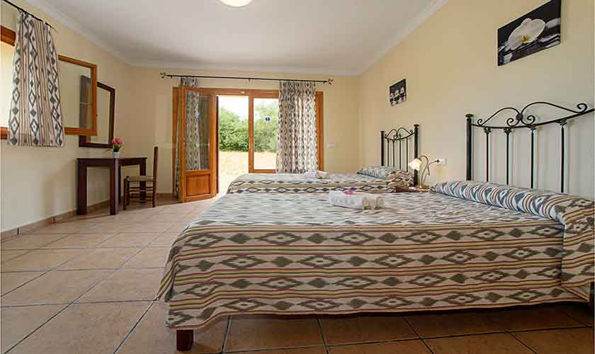 Schlafzimmer Finca Mallorca mit Pool PM 6054