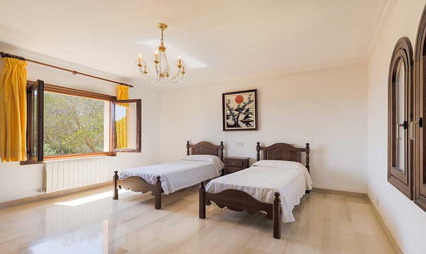 Schlafzimmer Finca Mallorca PM 6071