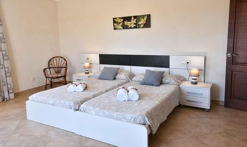 Schlafzimmer Finca Mallorca 10 Personen PM 6076