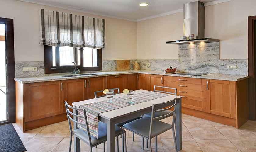 Küche Finca Mallorca 10 Personen PM 6076