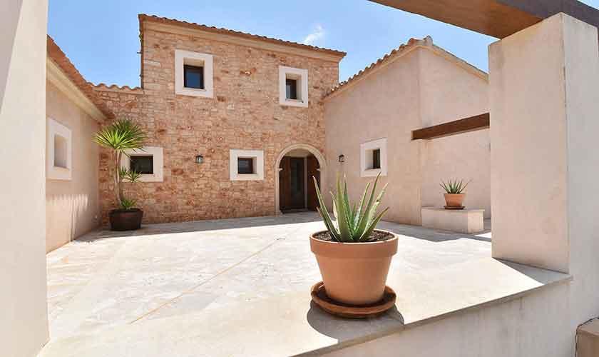 Patio Finca Mallorca 10 Personen PM 6076