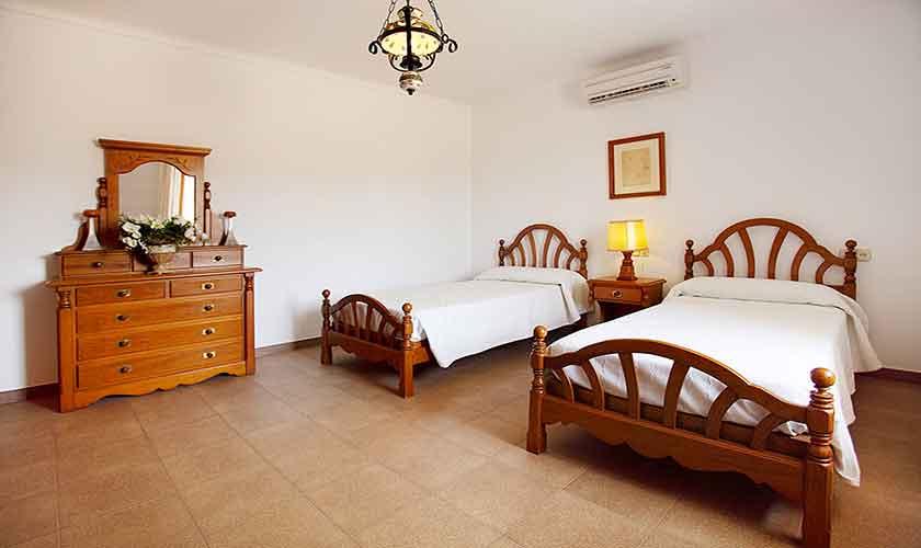 Schlafzimmer Finca Mallorca 10 Personen PM 6084