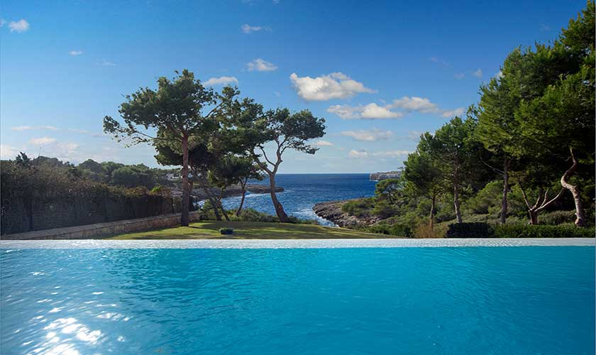 Pool und Meerblick Ferienvilla Mallorca PM 6088