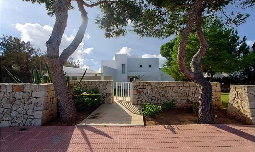 Eingangstor Ferienvilla Mallorca 12 Personen PM 6088