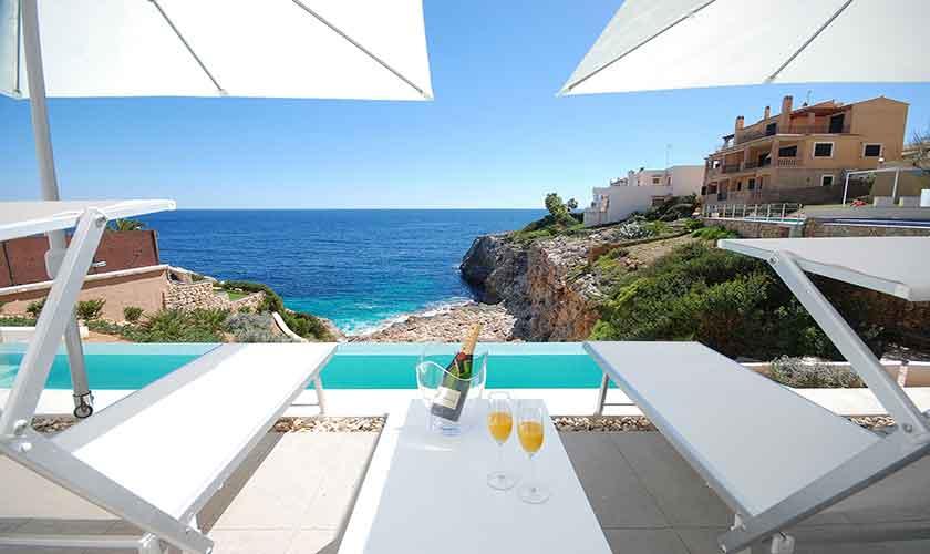 Pool und Terrasse Design-Villa Mallorca PM 6210