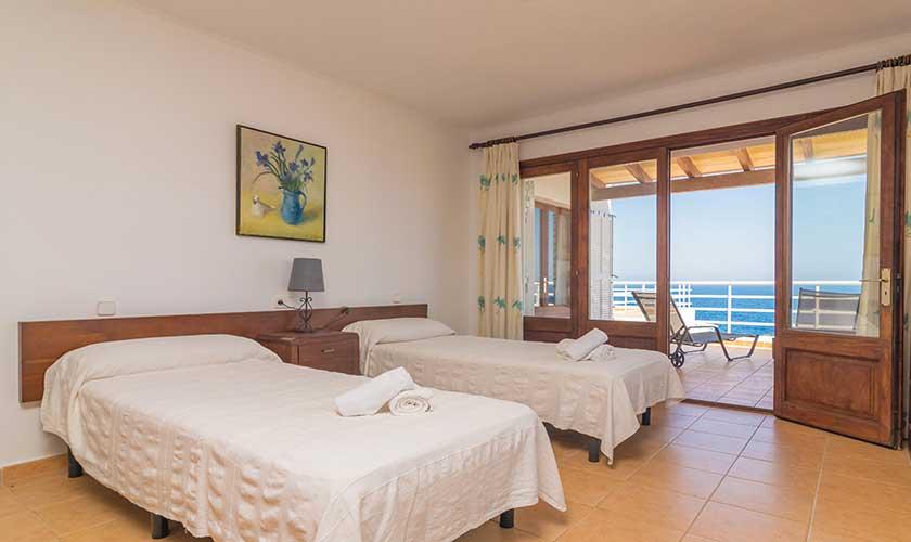 Schlafzimmer Ferienvilla Mallorca PM 6310
