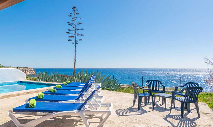 Pool, Liegen und Meerblick Ferienvilla Mallorca PM 6310