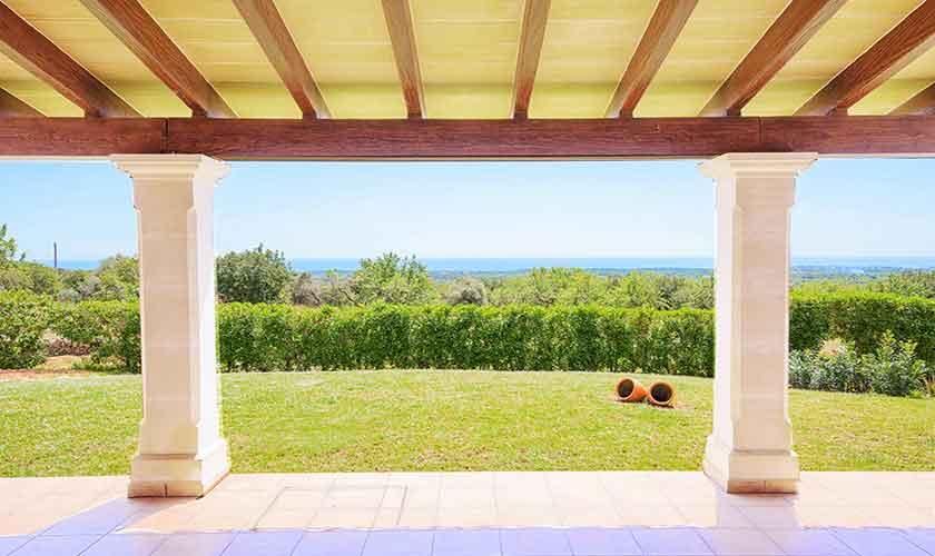 Blick von der Terrasse Finca Mallorca mit Pool PM 6522