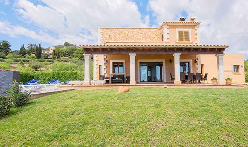 Blick auf die Finca Mallorca mit Pool PM 6522