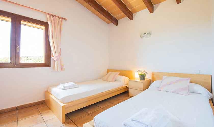 Schlafzimmer Finca Mallorca mit Pool PM 6522