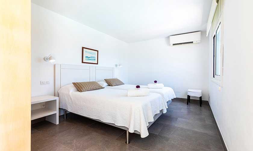Schlafzimmer Ferienvilla Mallorca PM 6532