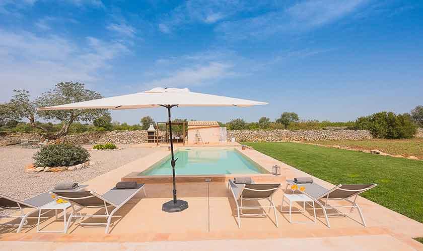 Pool und Liegen Finca Mallorca für 4 Personen PM 6537