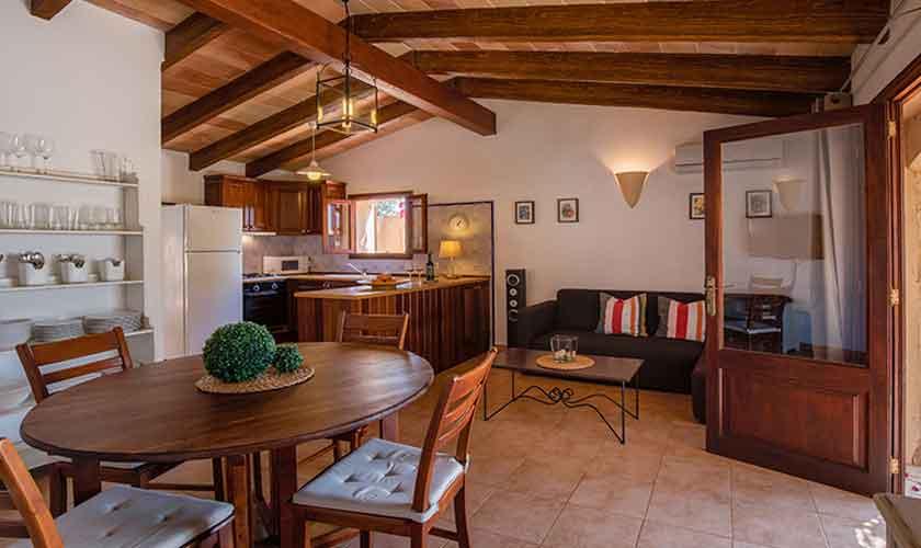 Wohnraum und Küche Finca Mallorca PM 6540
