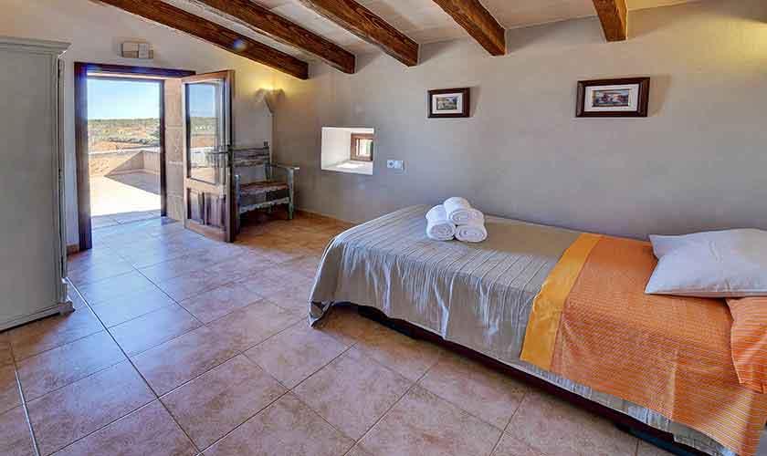 Schlafzimmer mit Ausziehbett Finca Mallorca PM 6544