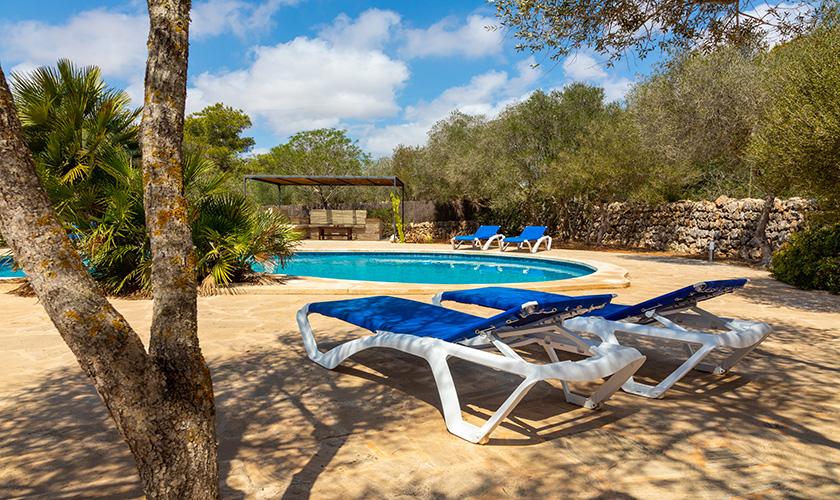 Pool und Liegen Ferienhaus Mallorca PM 6546