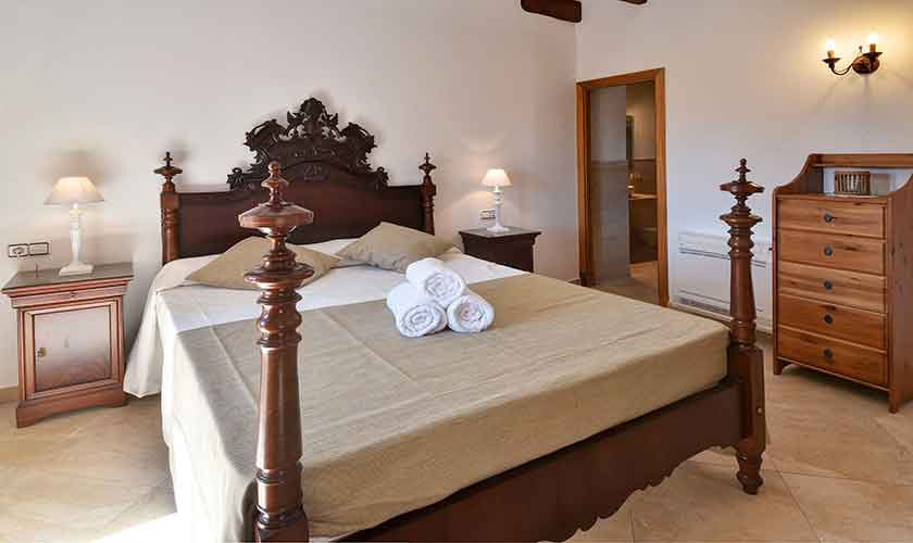 Schlafzimmer Finca Mallorca 12 Personen PM 6560
