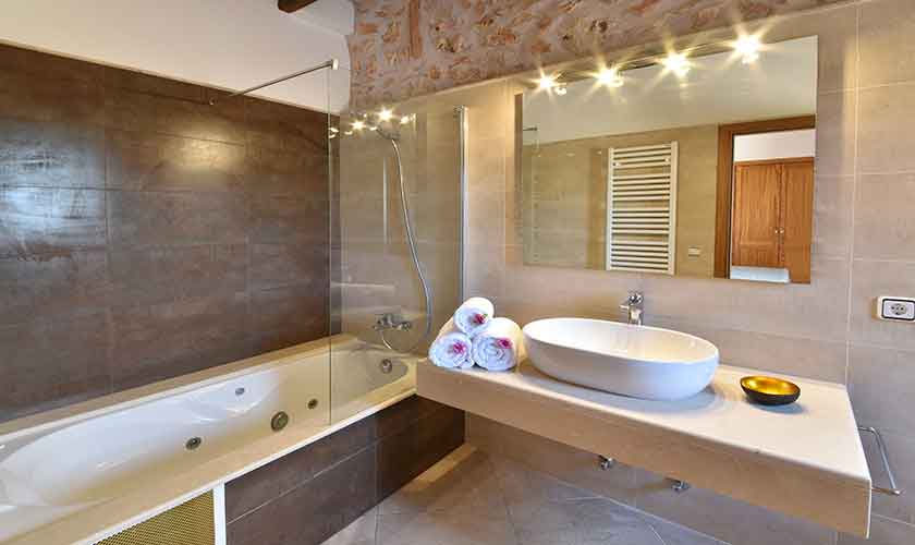 Badezimmer Finca Mallorca 12 Personen PM 6560