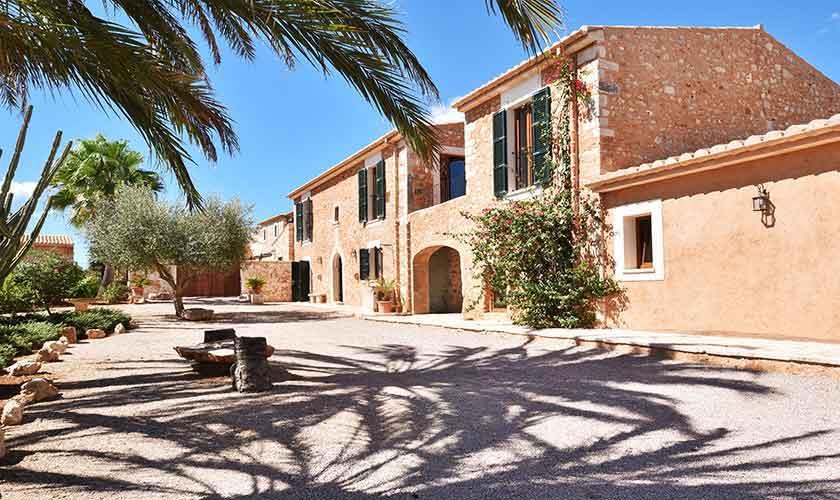 Blick auf die Finca Mallorca 12 Personen PM 6560
