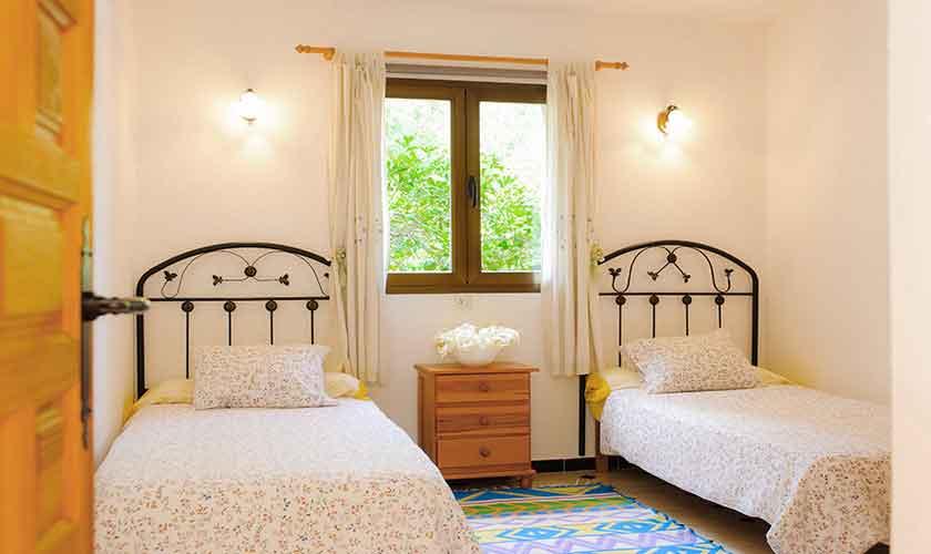 Schlafzimmer Ferienfinca Mallorca 4 Personen PM 6600