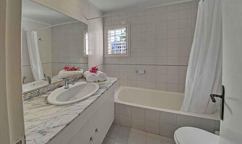 Badezimmer Ferienvilla Mallorca Cala d´Or