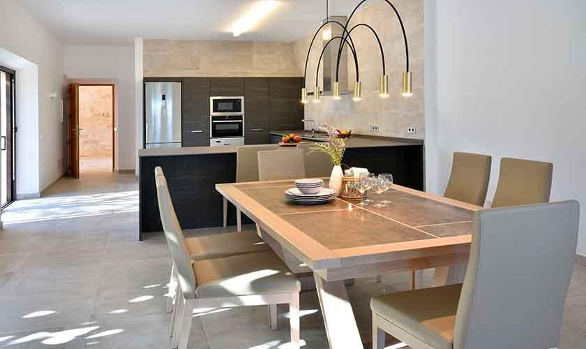 Esstisch und Küche Ferienhaus Mallorca Ostküste PM 6610