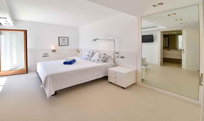 Schlafzimmer Ferienvilla Mallorca PM 6618