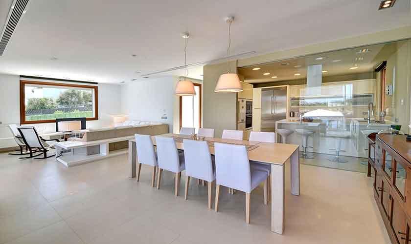 Wohnraum und Esstisch Ferienvilla Mallorca PM 6618