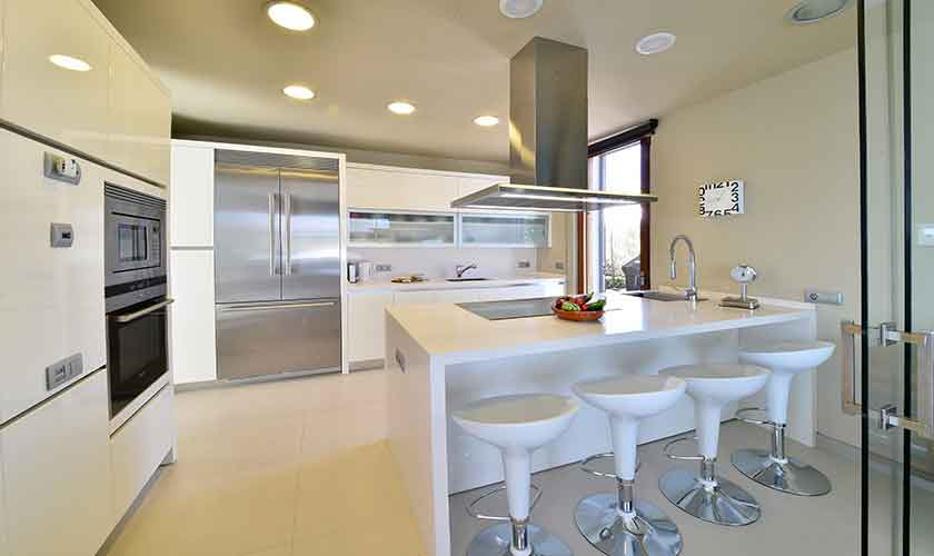 Küche und Esstisch Ferienvilla Mallorca PM 6618