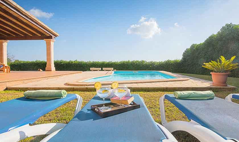 Pool und Liegen Ferienfinca Mallorca PM 6522