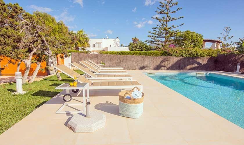 Pool und Liegen Ferienvilla Mallorca PM 6624