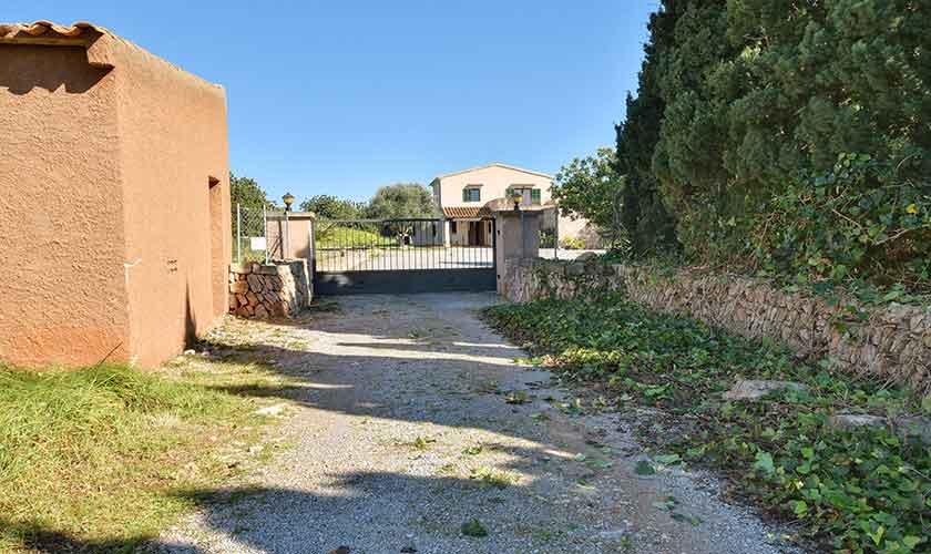 Einfahrt Finca Mallorca für 10 Personen PM 6624