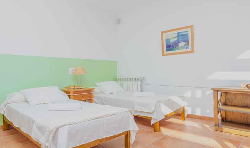 Schlafzimmer Ferienhaus Mallorca 16 Personen PM 6650