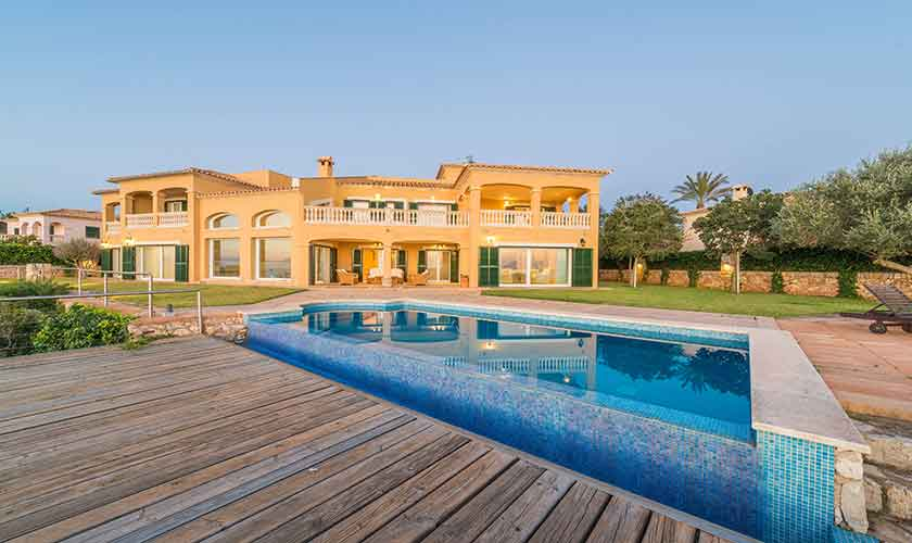 Pool und Luxusvilla Mallorca PM 6905